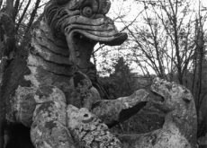 Bomarzo Combat de dragon e lions